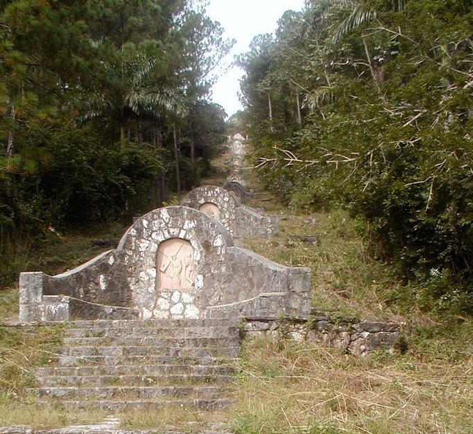 Escalinata de la Ermita de Jacán Cortesia Ernesto de la Fe